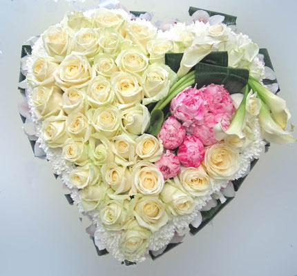 Coeur blanc et touche de rose