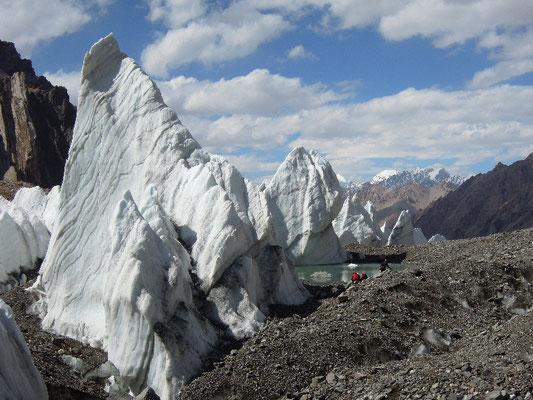 Der kleine See auf dem Rückweg vom Depot zum Italy-Basecamp - ein kleines Schmuckstüpck auf dem K2-Gletscher © D. Zaluski