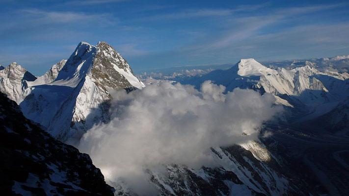 Abendstimmung über Broad Peak und Chogolisa