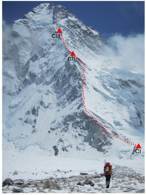 Die Route zwischen Lager I und Lager III welche wir inzwischen erkundet und teilweise mit Fixseilen abgesichert haben © R. Dujmovits