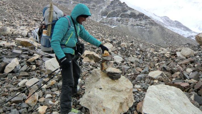 Steinmannbau auf dem Zentralen Rongbuk Gletscher