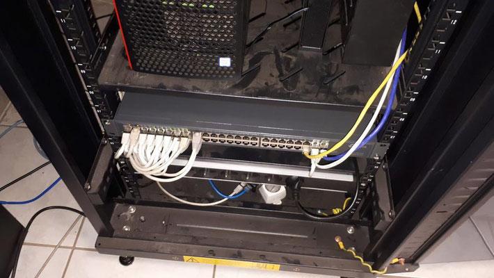 Maintenance sur baie de brassage et switch réseau