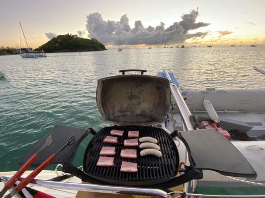 Nach den Behördengängen auf Antigua, haben Petra, Wolfgang und ich es uns in der Bucht vor dem Jolly Harbor noch ein wenig gut gehen lassen, bevor es für mich Richtung Bahamas und für Petra und Wolfgang zurück nach Deutschland gehen sollte!