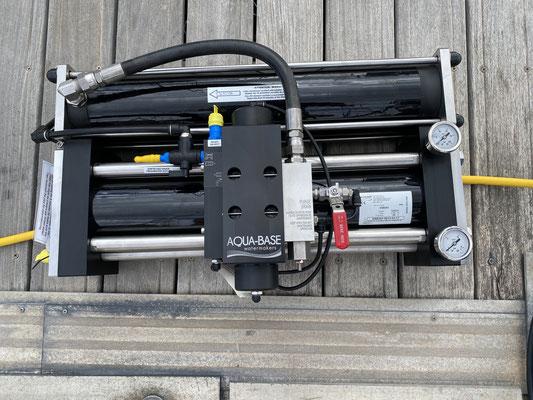 ... glücklicher Weise ist der neue Watermaker von AquaBase gut durch den Zoll gekommen ...