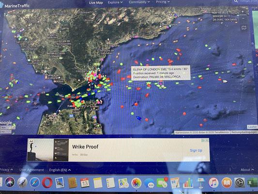 ... witziger Weise habe ich auf Marinetraffic auch gesehen, dass die Elena of London (die Yacht, die mich im Atlantik aufgegabelt hat) jetzt auch wieder im Mittelmeer ist! Hier kurz hinter der Straße von Gibraltar! Vielen Dank nochmal für die Rettung!