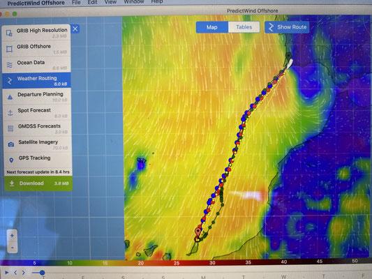 Das Wetter war mit gutem Wind vorhergesagt (hier die Wetterkarte von Predict Wind mit den besten Routen zu meinem Ziel) ... tatsächlich war der Wind allerdings nochmal stärker als geplant!