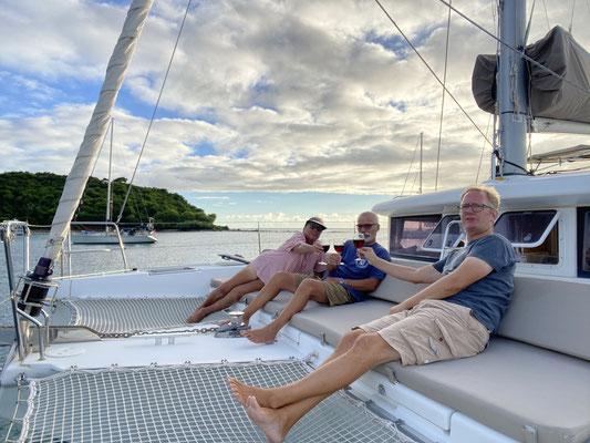 ... aber jetzt sind wir entspannt ... alles ist organisiert und für mich geht es morgen am 15.12. die 1000 Seemeilen nach Nassau (Bahamas), wo ich den Behördenkram nochmal durchlaufen werde, ...