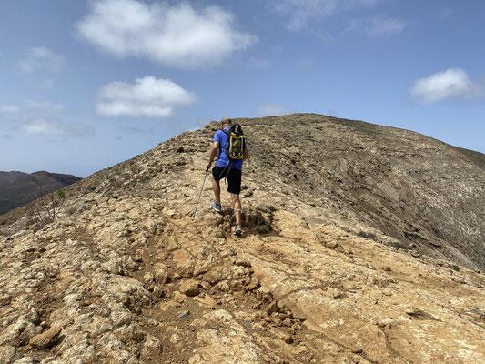 ... Wandertour auf einen (ziemlich hohen) Vulkan, und vieles mehr ...