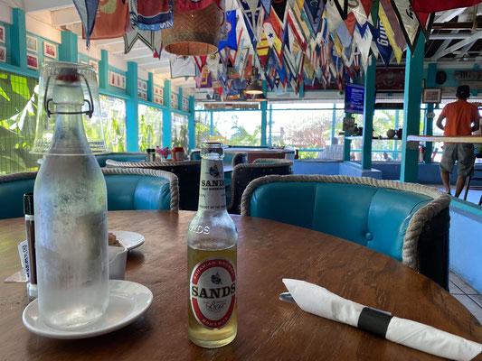 ... denn die Kneipen & Restaurants hier sind leer ... und so ist man wirklich weitgehend alleine unterwegs ...
