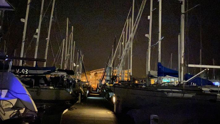 Hier in Lagos gab es viele schöne Tage und Abende mit den Crews von anderen Booten ...