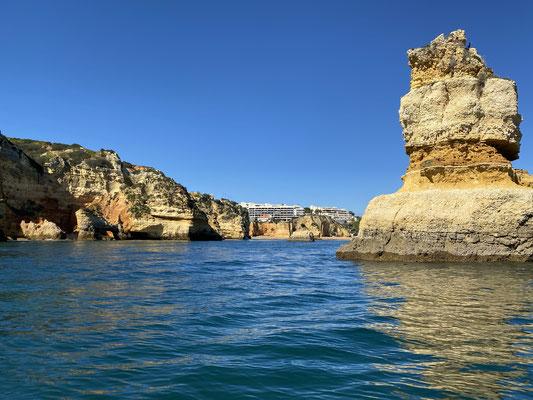 ... wenn ich also mal vom Segeln eine Pause brauche, dann kann ich für ein paar Wochen wieder mit dem Camper losdüsen ... diesen Sommer vielleicht noch Skandinavien? ... aber erstmal die Küste der Algarve auf dem Wasser :o)