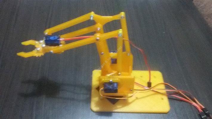 arduino ile joystick kontrollü robot kol projesi
