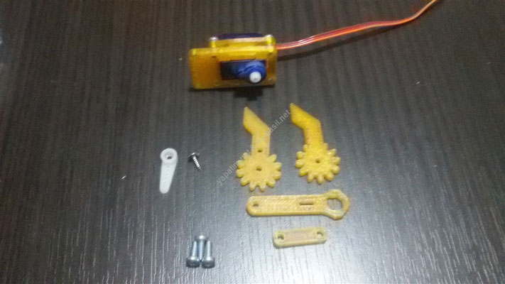 Robot Arm with Joystick