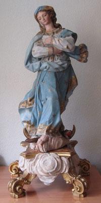 """Inmaculada Concepción"". Talla de madera dorada y policromada. Estado final."