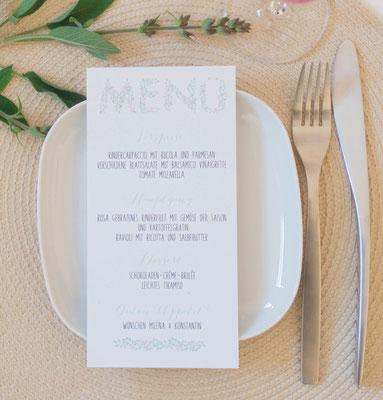 Menükarte Design -Blueberry- (Pocketfold-Einladung, Juhu Papeterie, Kraftpapier, mint, schick, Blaubeeren, Hochzeitsset, Hochzeitsdesign)