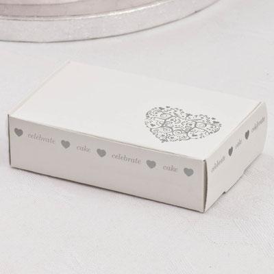 Herzige Schachteln können als Verpackung für Mandeln dienen