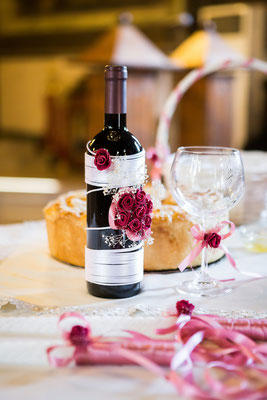 Hochzeitswein - geschmückte Flasche