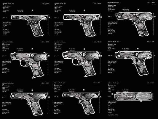<b>Heiner's gun</b><br />2002<br />C-Print auf Folie, auf Leuchtkasten<br />90 x 72 cm