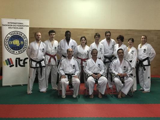 Gruppenfoto der Prüfungsteilnehmer