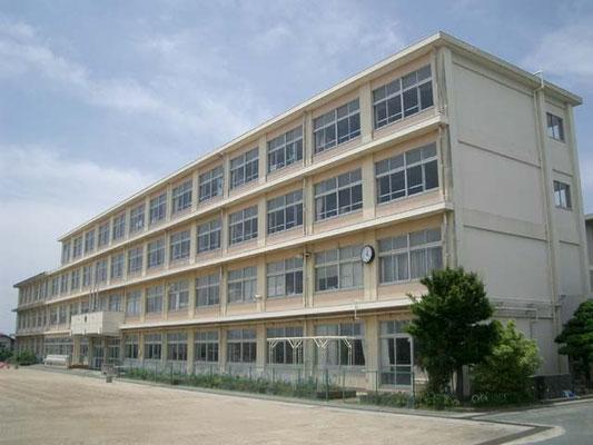 広沢小学校約600m