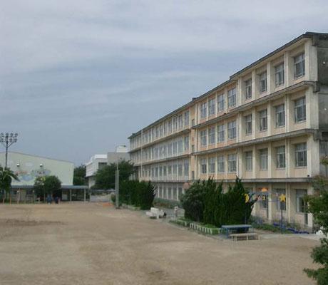 佐鳴台小学校まで約300m