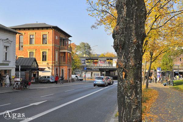 Berlin-Zehlendorf - Gründerzeit-Backsteinvilla am S-Bahnhof