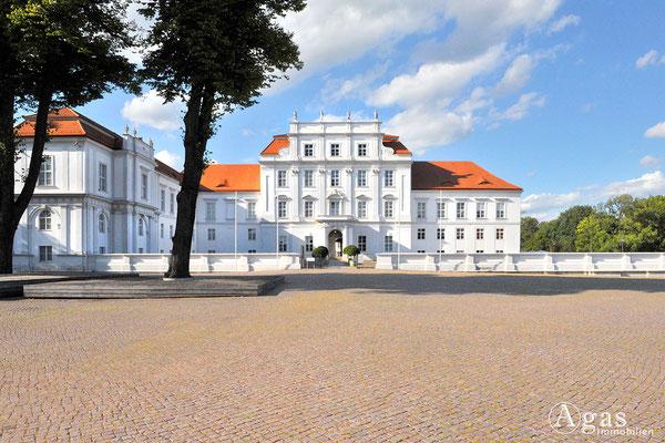 Immobilienmakler Oranienburg - Schloss Oranienburg - ältestes Barockschloss in der Mark Brandenburg