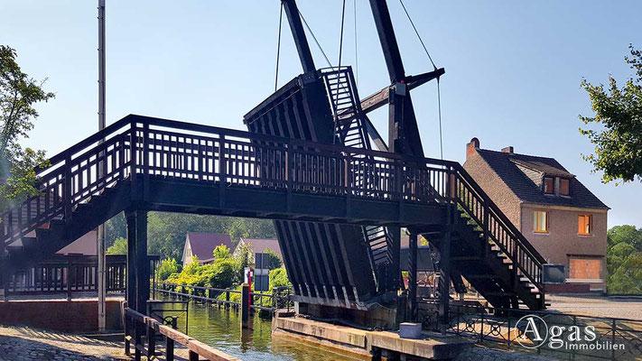 Makler Storkow - Klappbrücke über den Storkower Kanal
