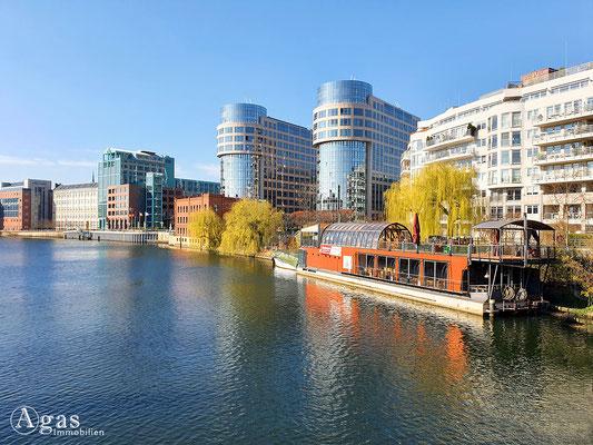 Immobilienmakler Berlin-Moabit - Restaurantschiff PATIO am Spreebogen