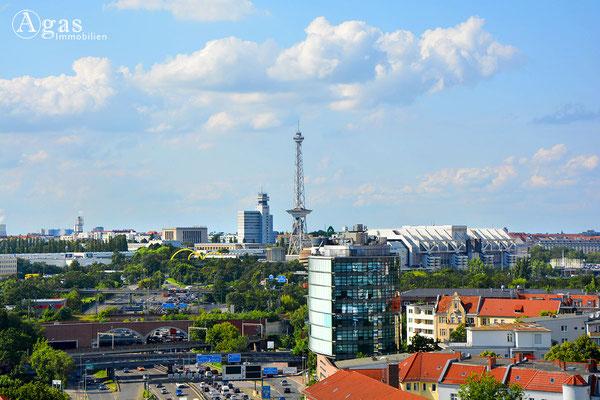 Hochblick vom Rathenauplatz zum Berliner Funkturm