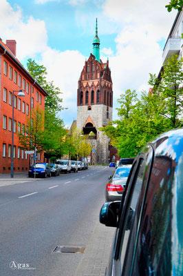 Berlin-Weißensee - Mirbachplatz, Bethanienkirche