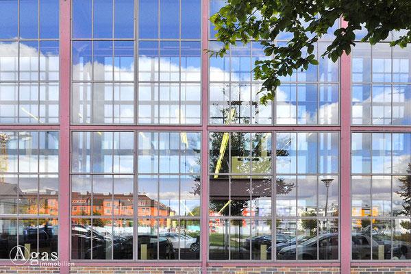 Berlin-Adlershof - Humboldt-Universität zu Berlin, Fassade des Erwin Schrödinger-Zentrums