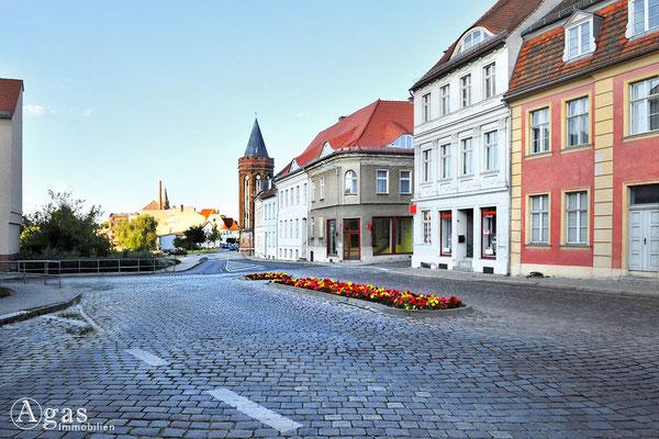 Immobilienmakler Brandenburg (Havel) - Molkenmarkt mit Blick zum Mühlentorturm