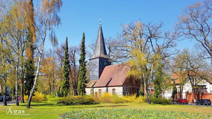 Immobilienmakler Berlin-Wittenau - Ev Dorfkirche Alt-Wittenau