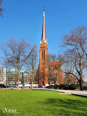 Immobilienmakler Berlin-Moabit - Ev. Heilandskirche