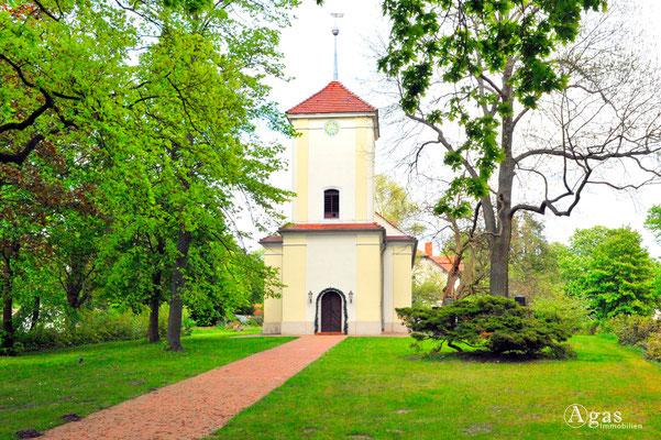 Berlin-Lübars - Dorfkirche Lübars auf dem Dorfanger