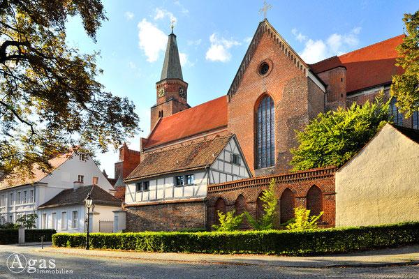 Brandenburg (Havel) -  Blick auf den Dom zu Brandenburg & Dommuseum vom Burgweg