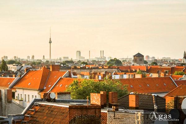 Schillerpromenade - Blick über die Dächer von Berlin im Neuköllner Schillerkiez
