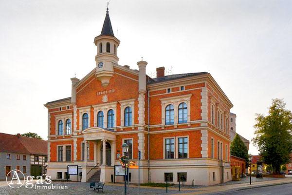 Immobilienmakler Liebenwalde - Rathaus an der Ernst-Thälmann-Straße