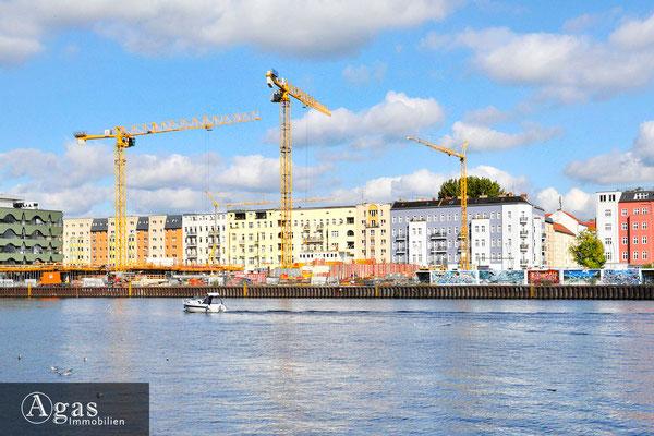 WAVE waterside living berlin - Blick über die Spree zur Baustelle