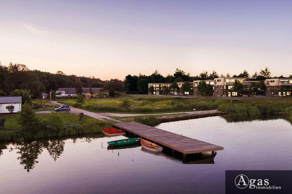 Am Pätzer See - Eigentumswohnungen - Abendstimmung am Bootssteg