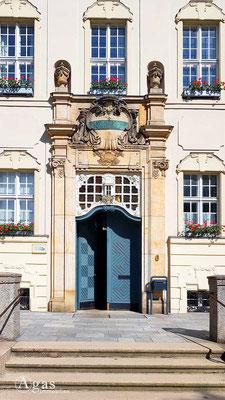 Altlandsberg - Historicshes Eingangsportal des Rathauses