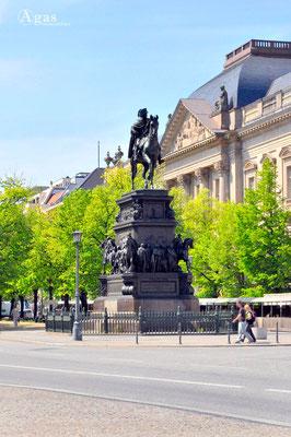 Berlin-Mitte, Denkmal König Friedrich II von Preußen