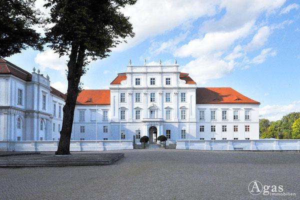 Immobilienmakler Oranienburg - Schloss Oranienburg - Stadtverwaltung & Schlossmuseum