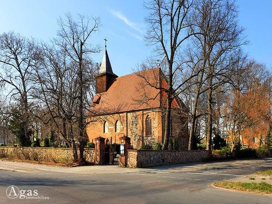 Immobilienmakler Berlin-Dahlem - St. Annen-Kirche Dahlem
