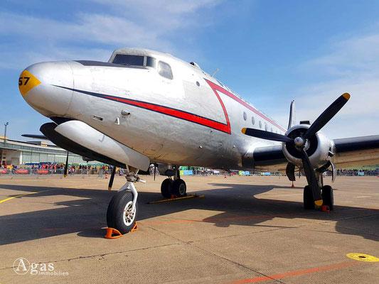 Tempelhof - Flughafen - Troop Carrier