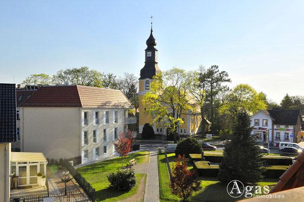 Hohen Neuendorf - Blick zur evgl. Dorfkirche