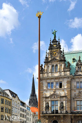 Hamburger Rathaus - Giebeldetail des Parlamentflügels (Bürgerschaft)
