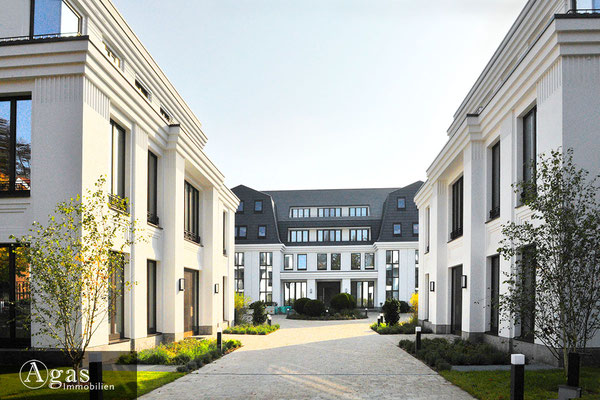 Villen am Dianasee - Grunewald - Historische Ullstein-Villa mit eigenem Seezugang