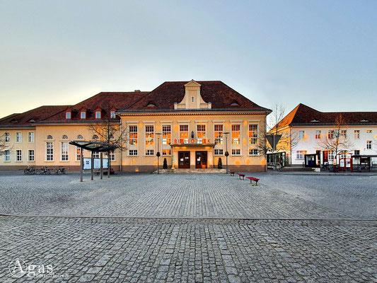 Immobilienmakler Luckenwalde - Bibliothek
